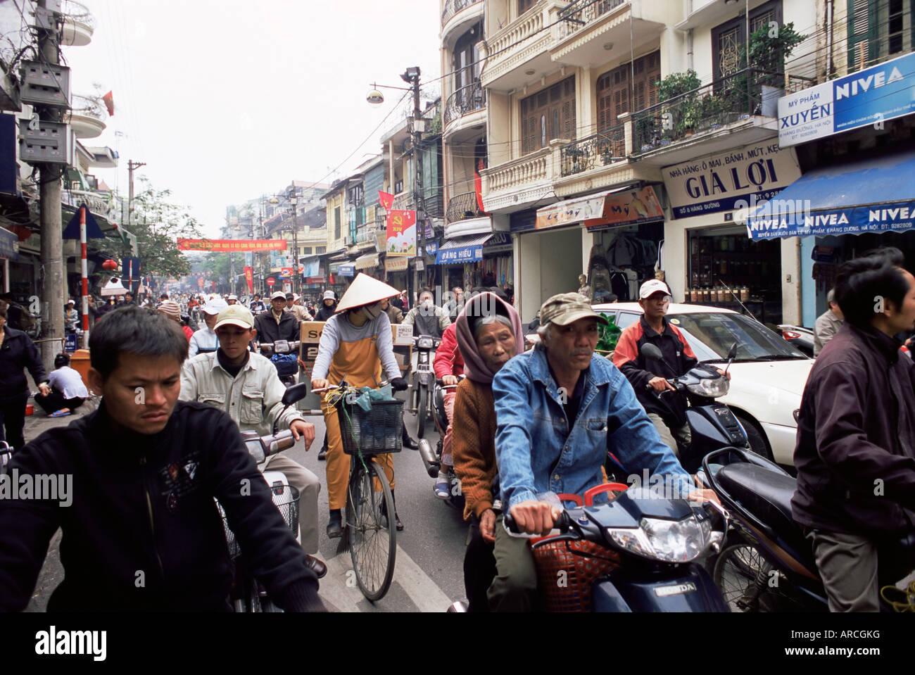 Busy street, Hanoi, Vietnam, Indochina, Southeast Asia ...