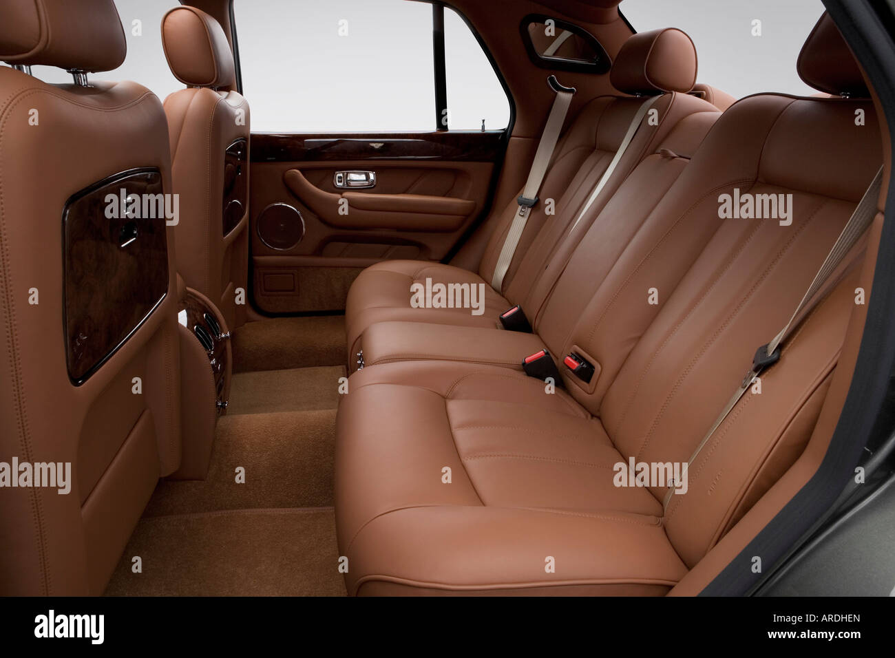 2006 bentley arnage r in green rear seats stock photo royalty 2006 bentley arnage r in green rear seats vanachro Image collections
