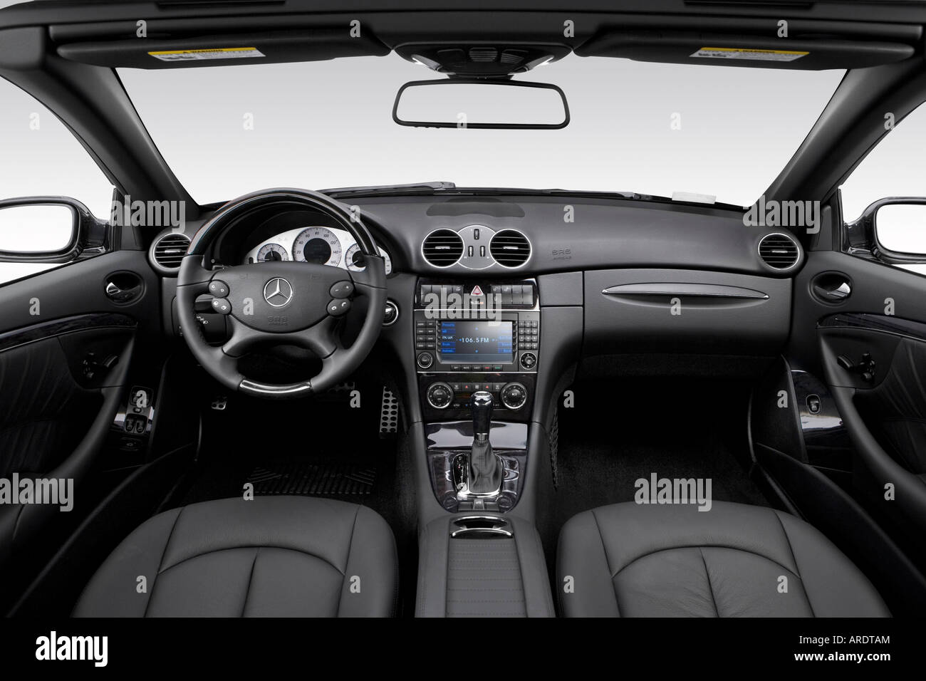 2007 mercedes benz clk350 in black dashboard center console gear shifter view