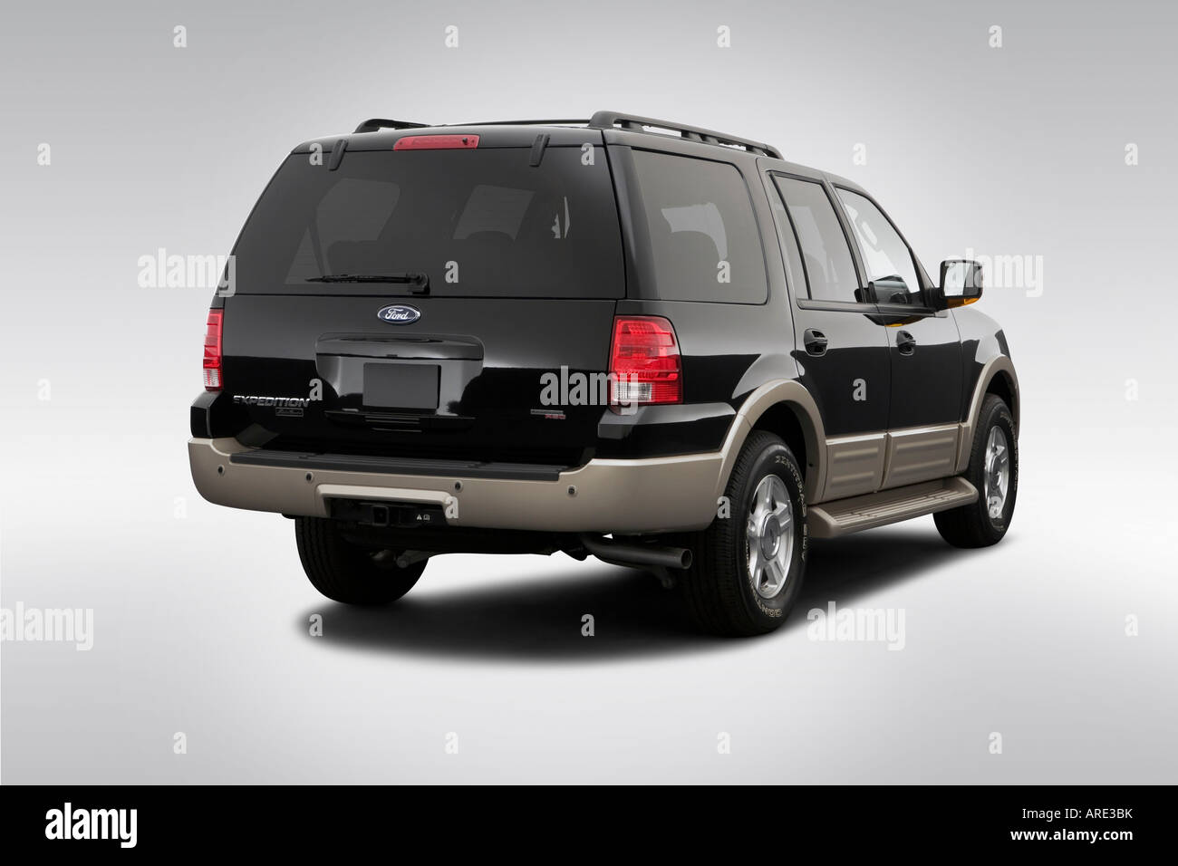 Ford Expedition Eddie Bauer In Black Rear Angle View Stock - 2006 expedition