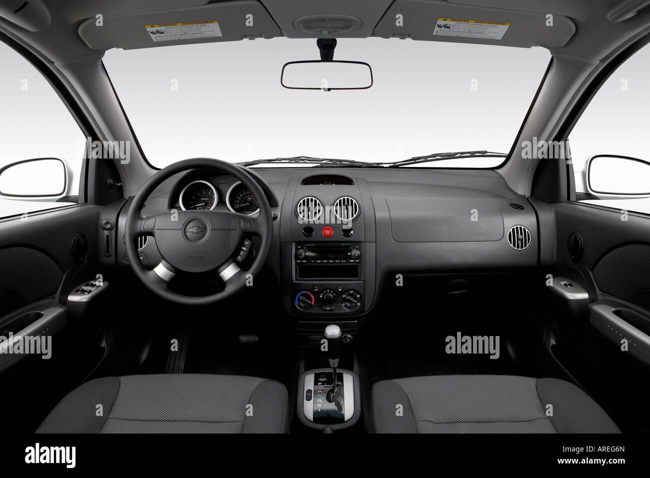 Chevrolet chevrolet 2006 aveo : 2006 Chevrolet Aveo LT in Silver - Dashboard, center console, gear ...