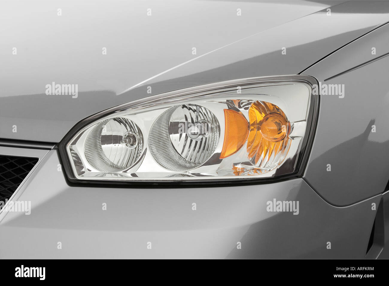 2007 chevrolet malibu ss in silver headlight