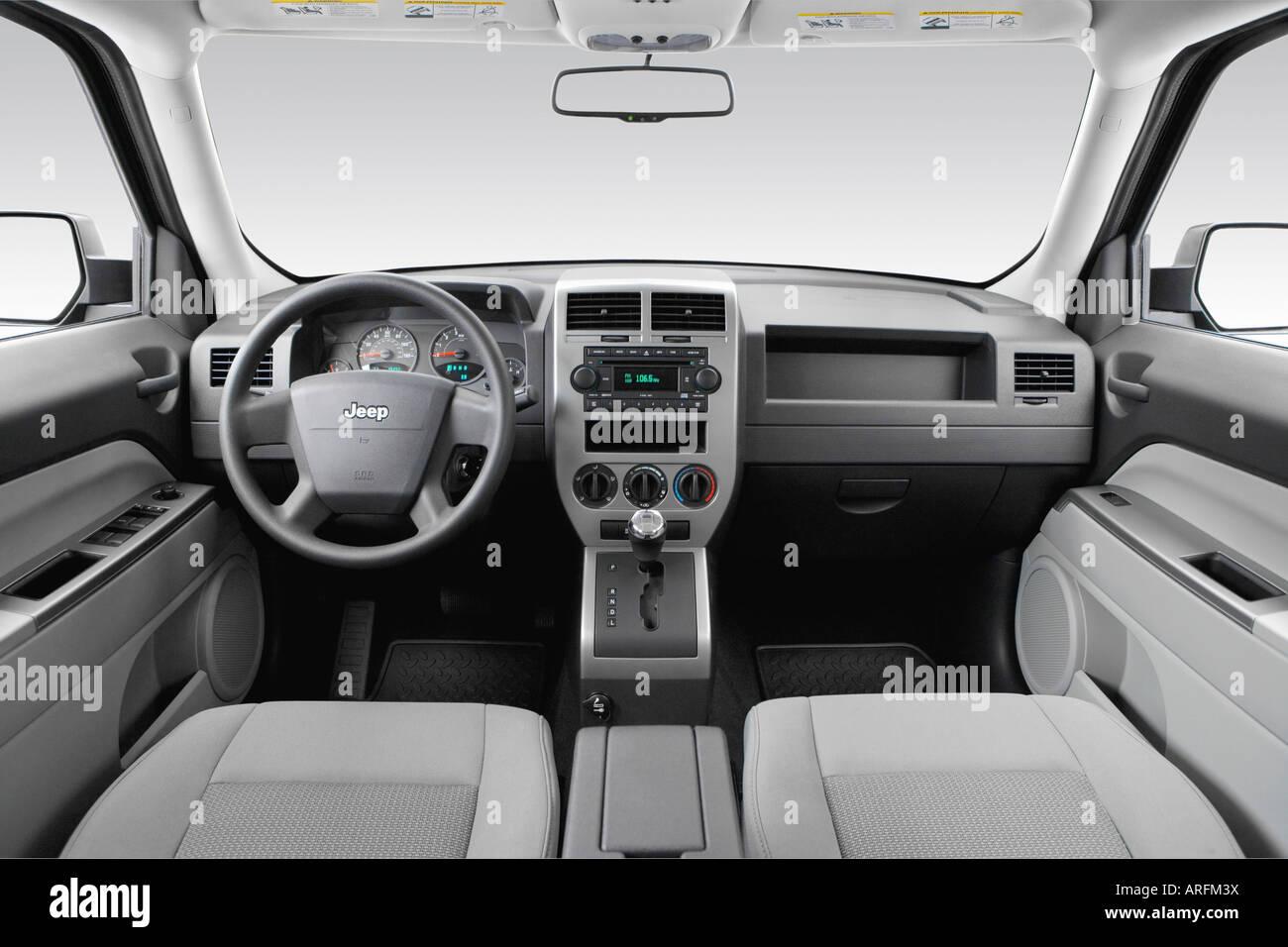 2007 jeep patriot sport in green - dashboard, center console, gear