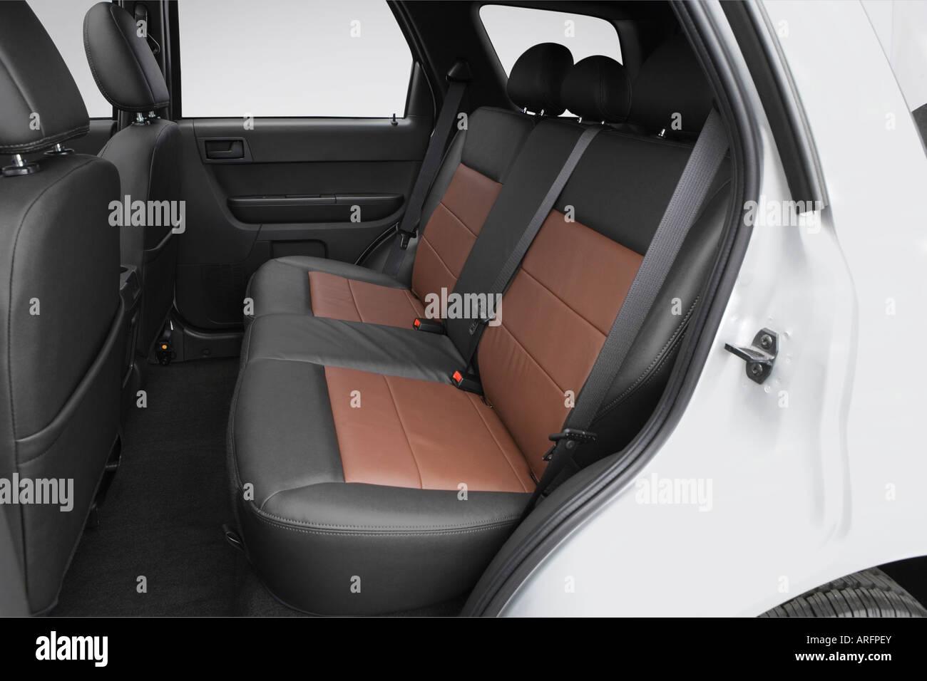 SMD1136 FRONT Semi-Metallic Brake Pads Fits 03-06 Dodge Sprinter 2500