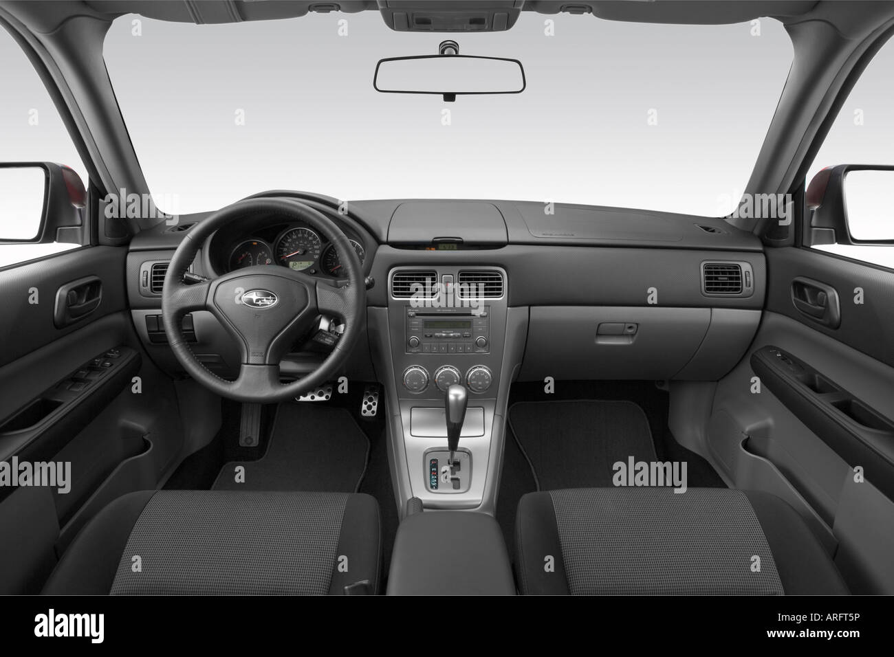 2008 subaru forester sports 2.5 x in red - dashboard, center
