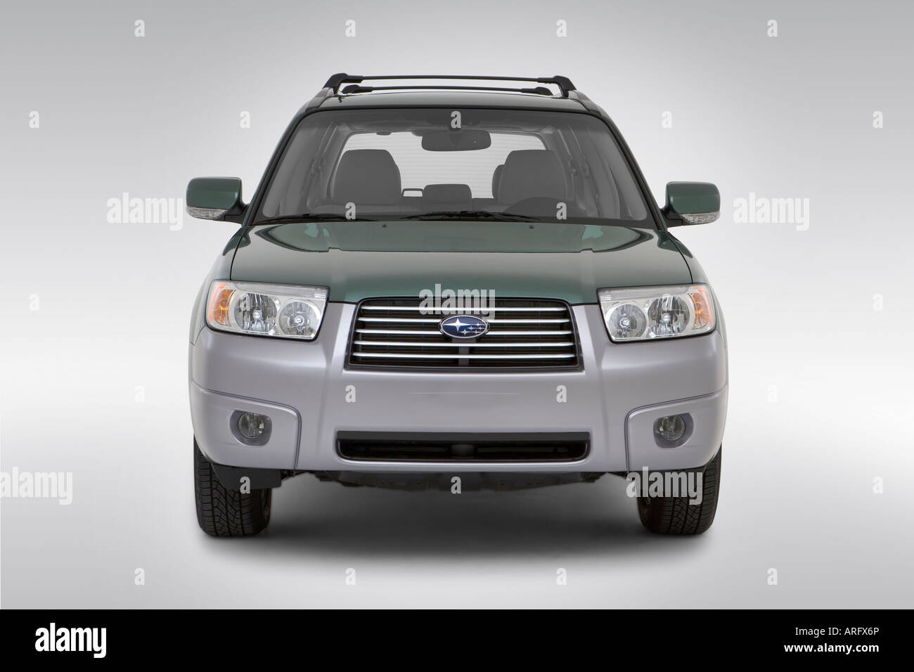 2008 subaru forester 2 5 in stock photos 2008 subaru forester 2 2008 subaru forester 25 x ll bean in green lowwide front stock vanachro Image collections