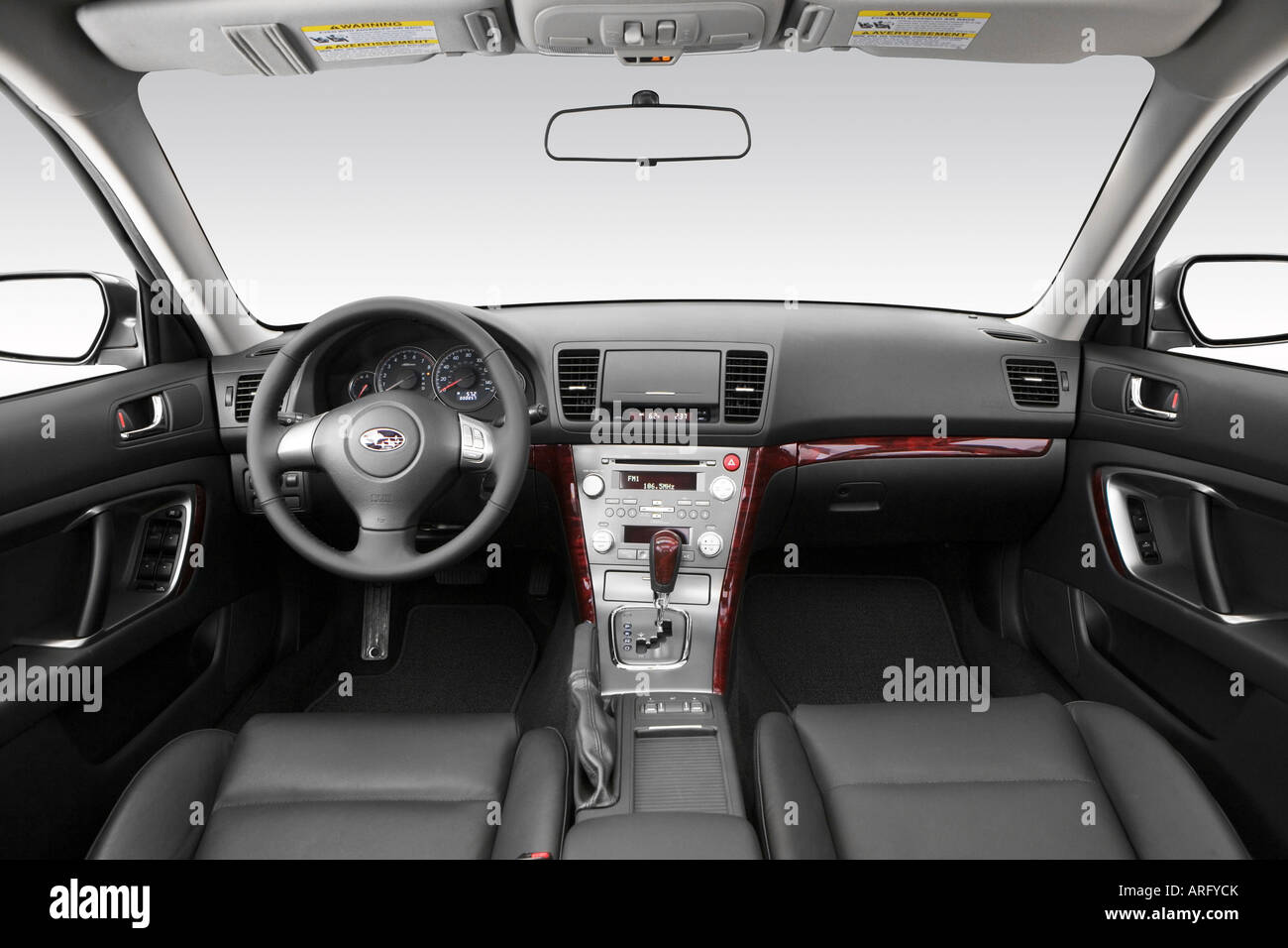 2008 subaru legacy 2.5i limited in gray - dashboard, center
