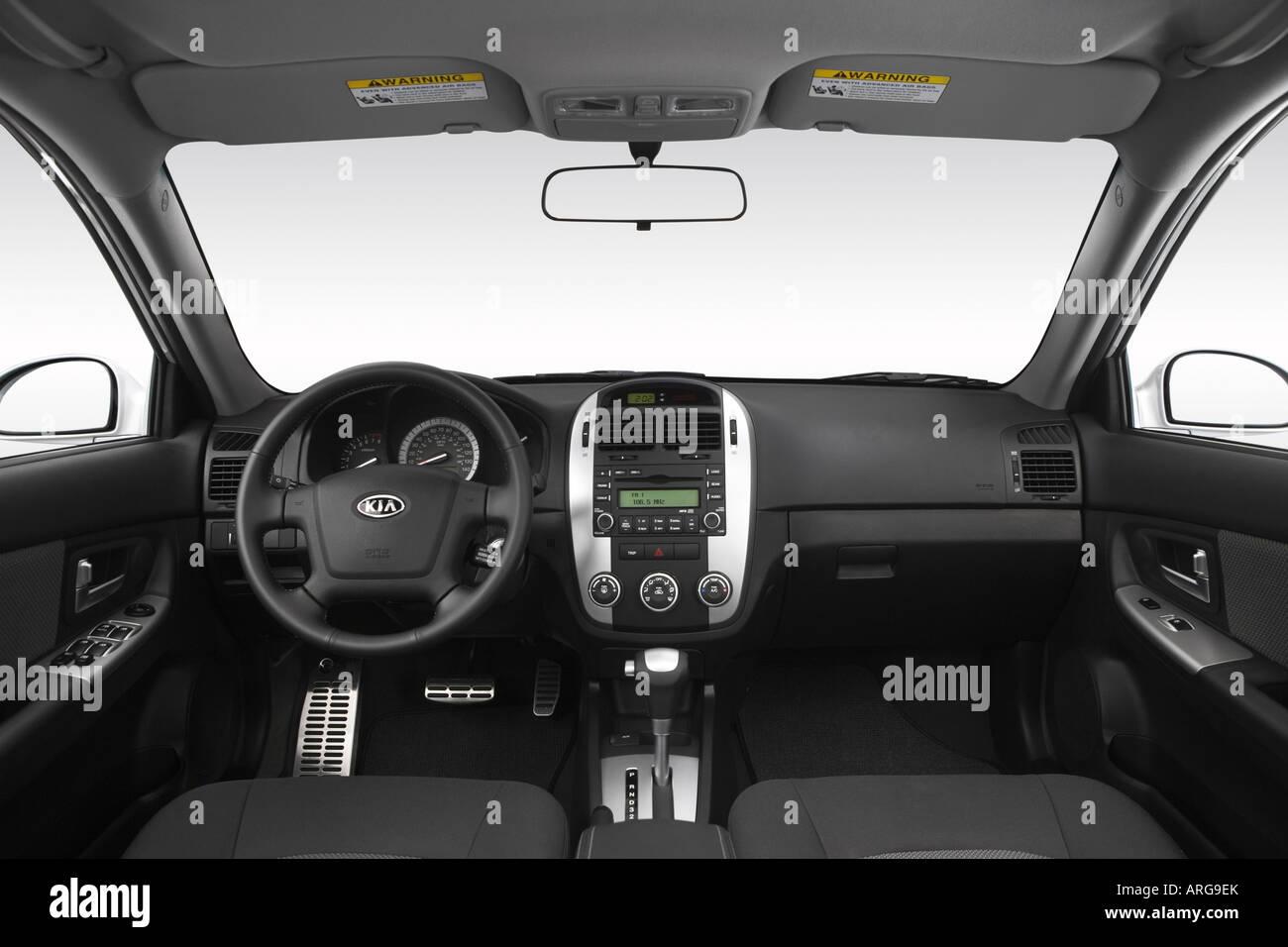 2007 kia spectra 5 sx in silver dashboard center console gear shifter view