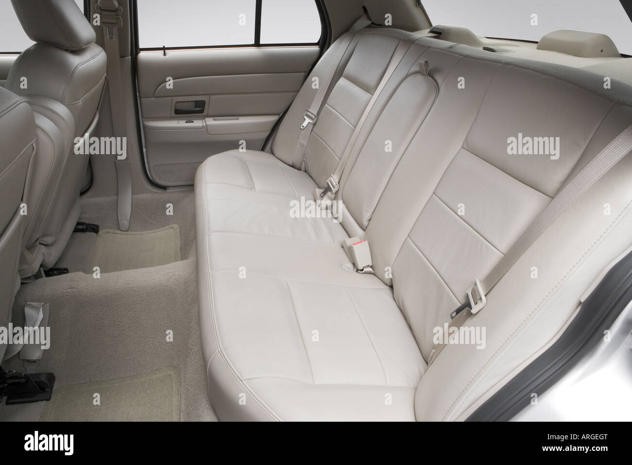 2007 ford crown victoria lx in silver - rear seats stock photo