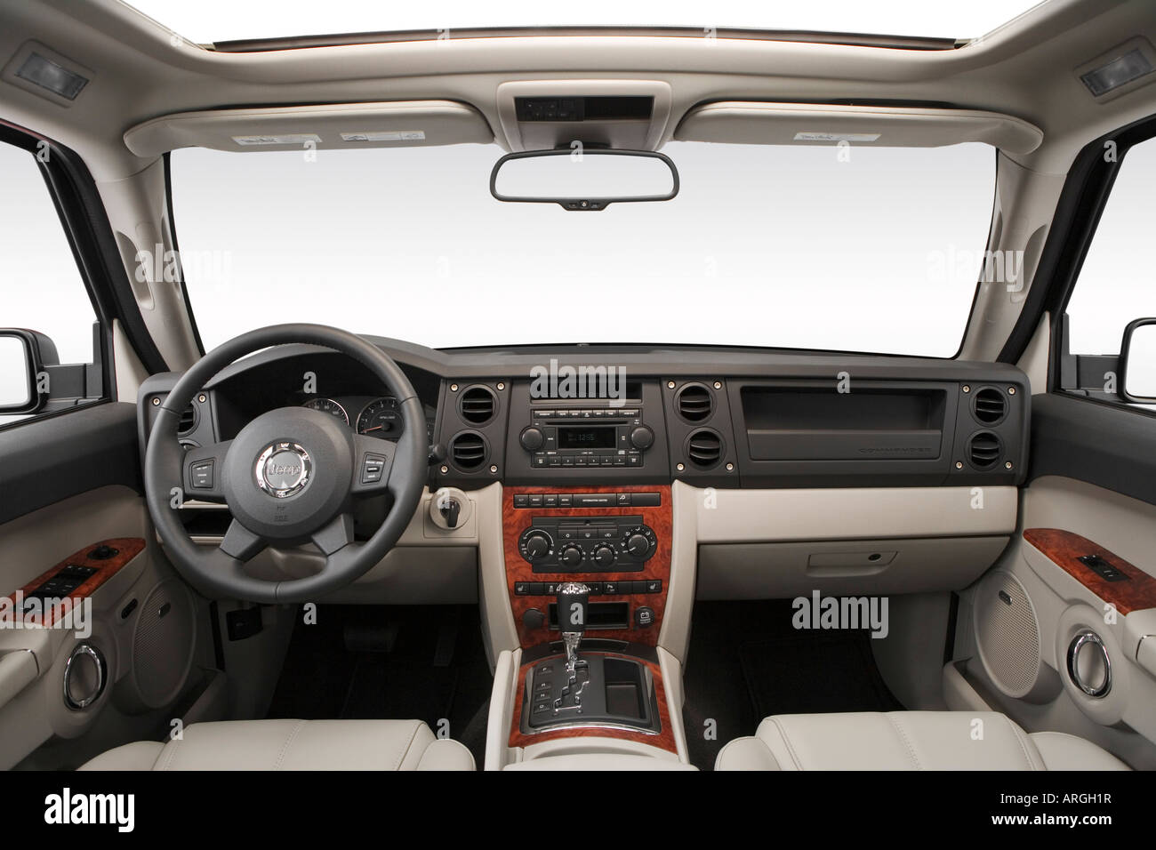 2007 jeep commander limited in green - dashboard, center console