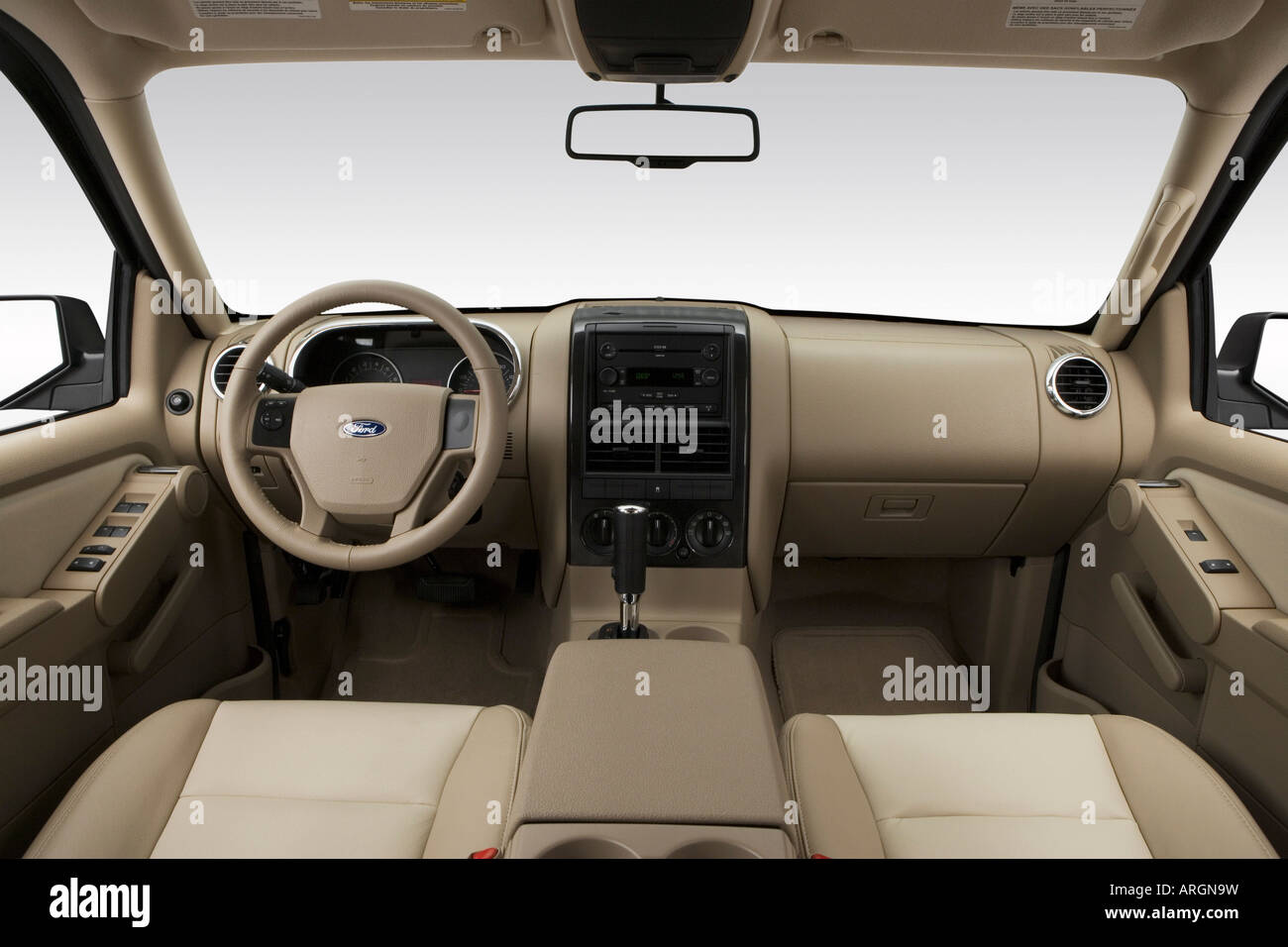 2007 Lincoln Mkz Towing Capacity >> 2007 Ford Explorer XLT in Gold - Dashboard, center console, gear Stock Photo, Royalty Free Image ...