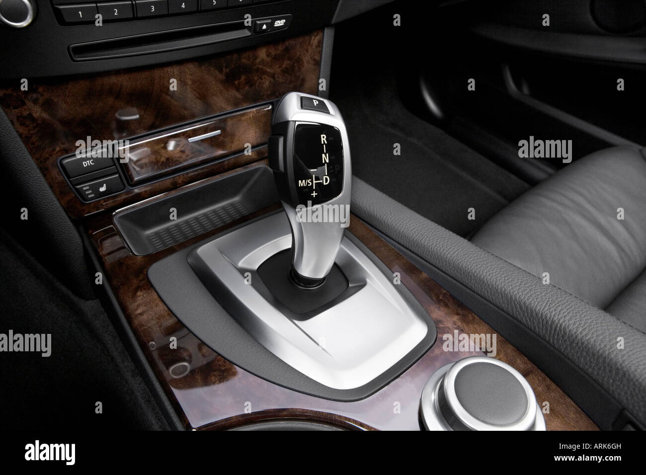 2008 Bmw 5 Series 550i In Gray Gear Shifter Center Console Stock Photo Royalty Free Image