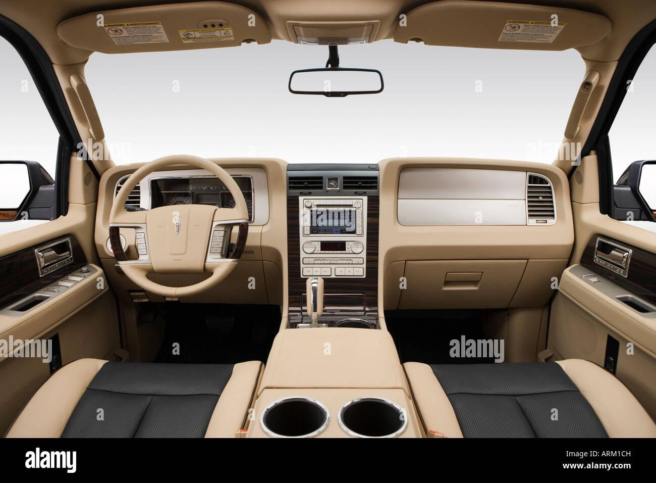 2008 lincoln navigator l in green dashboard center console gear shifter view