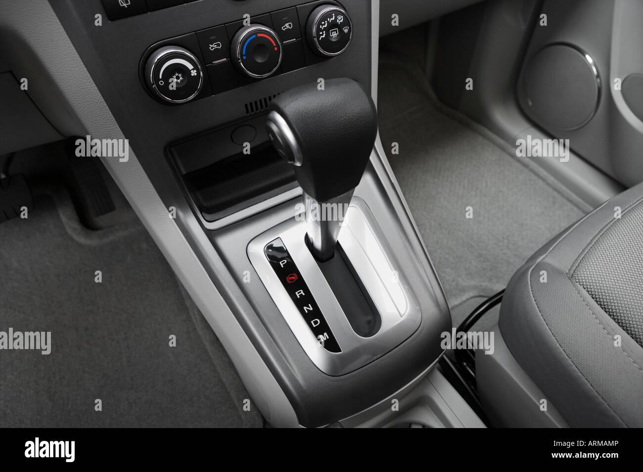 2008 saturn vue xe in blue gear shifter center console
