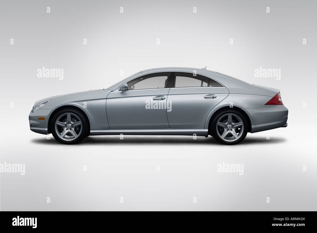 2008 mercedes benz cls class cls550 in silver drivers side profile