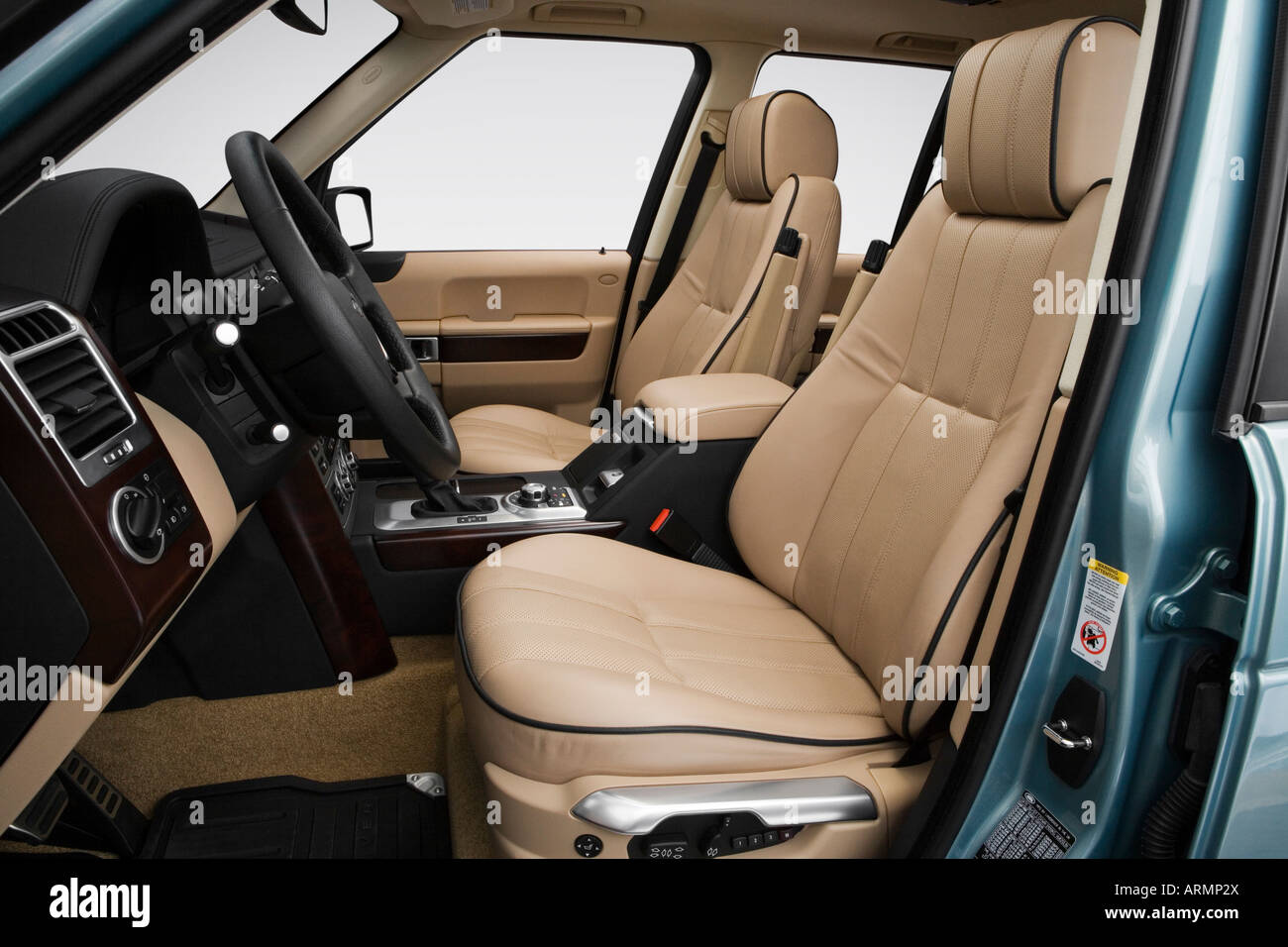 Land Rover Range Rover Super Charged In Green Front Seats - Range rover stock