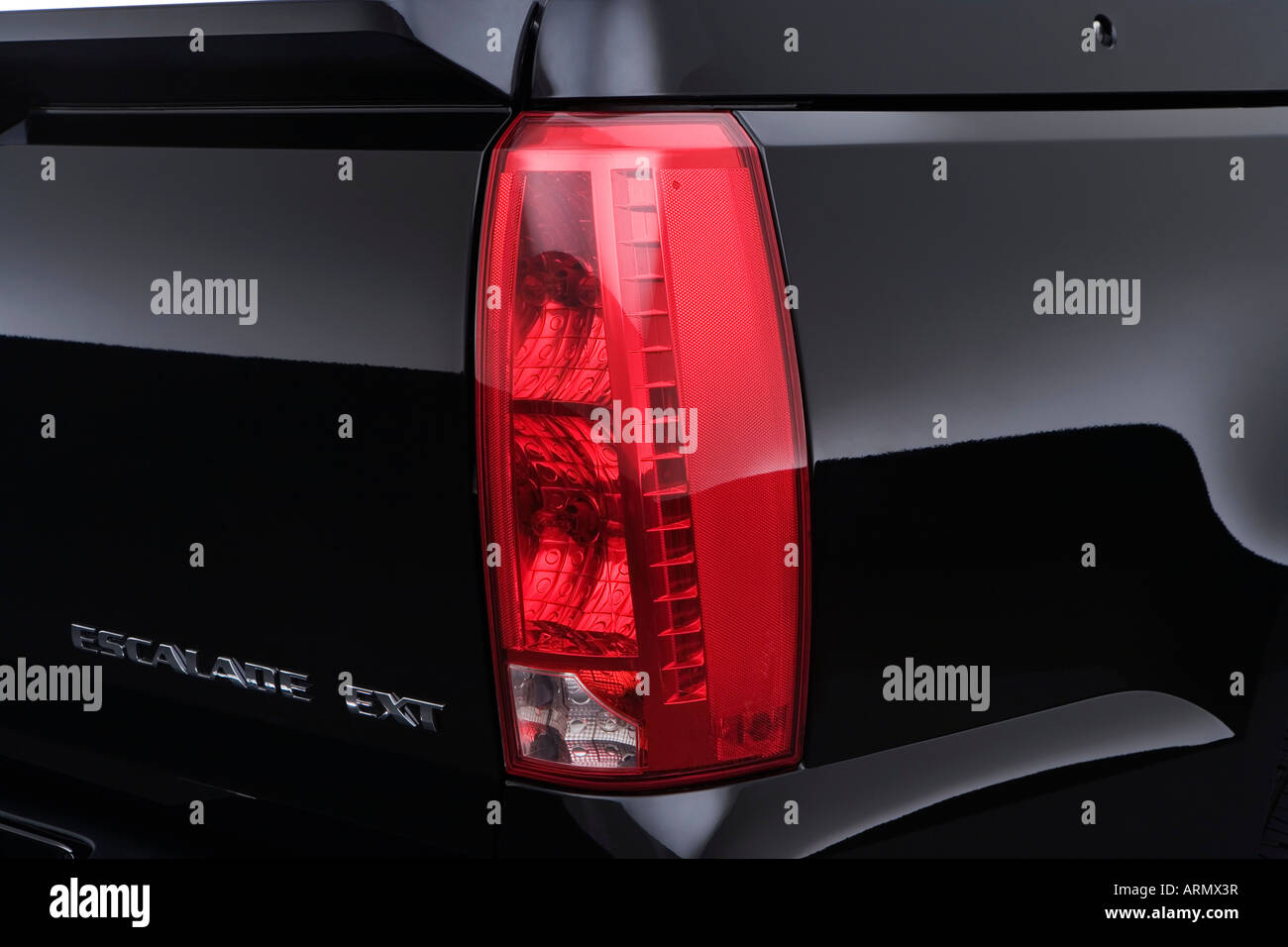 2008 cadillac escalade ext in black tail light