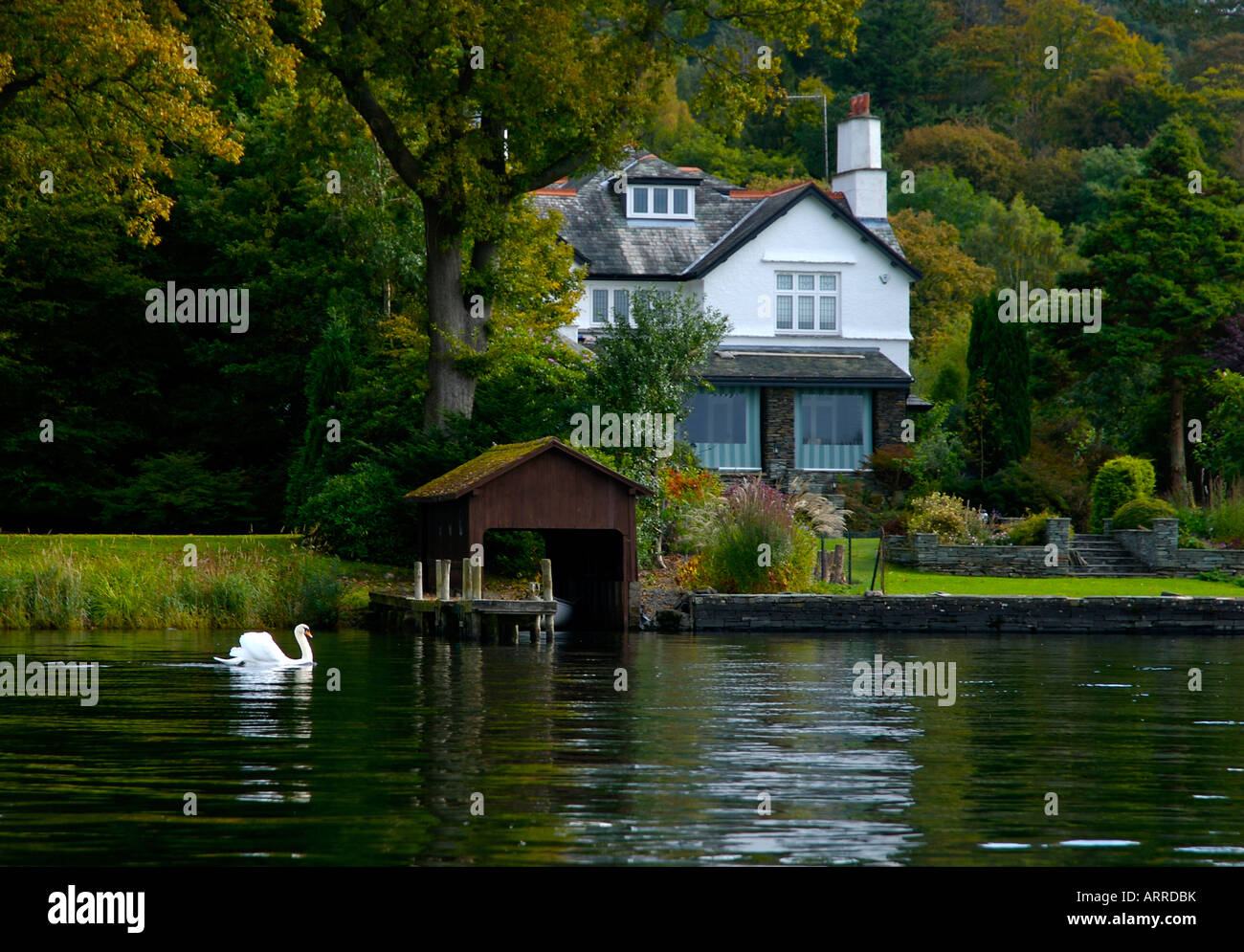 swan and lakeside house  lake windermere  lake district