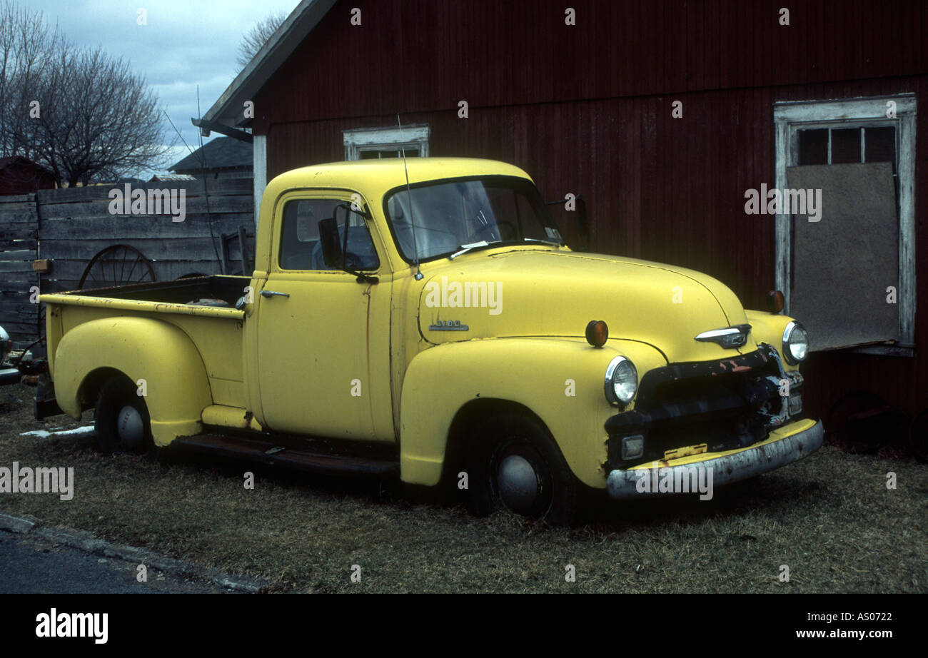 Old Chevy Stepside pick up in yellow Stock Photo: 1574689 - Alamy