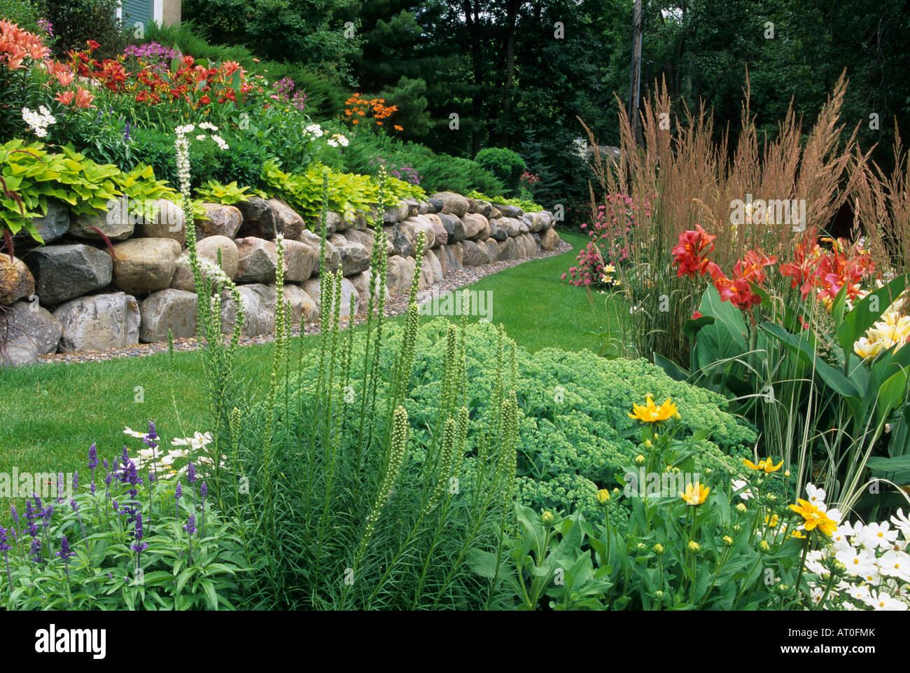 Cannas Garden Designs With Sedum on garden design with liriope, garden design with delphinium, garden design with daylilies, garden design with rose bushes, garden design with bougainvillea,