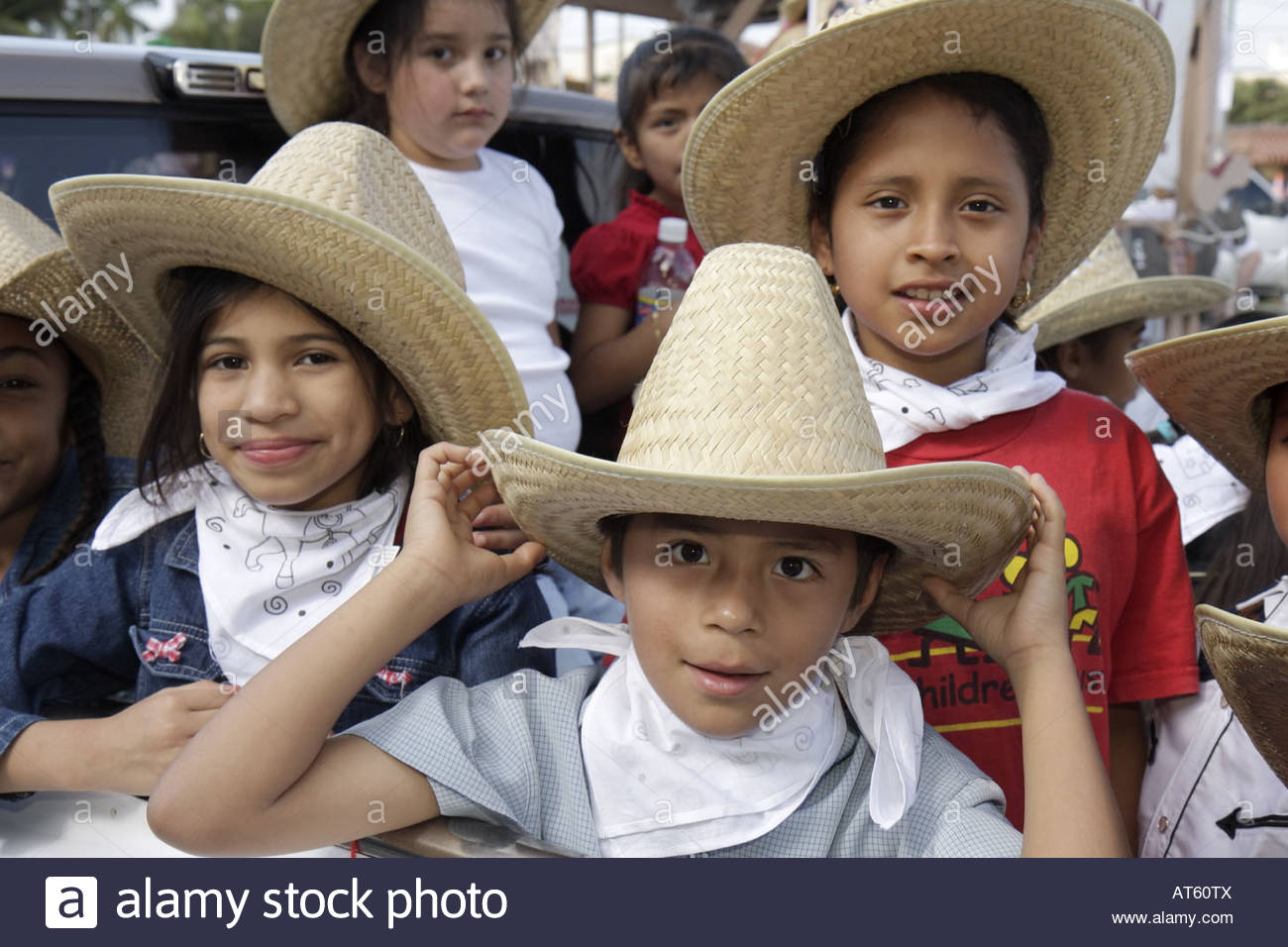 mexican hat hispanic single women Meet the most beautiful mexican women mexican brides  single mexican women are family oriented and love the feeling that they are appreciated.