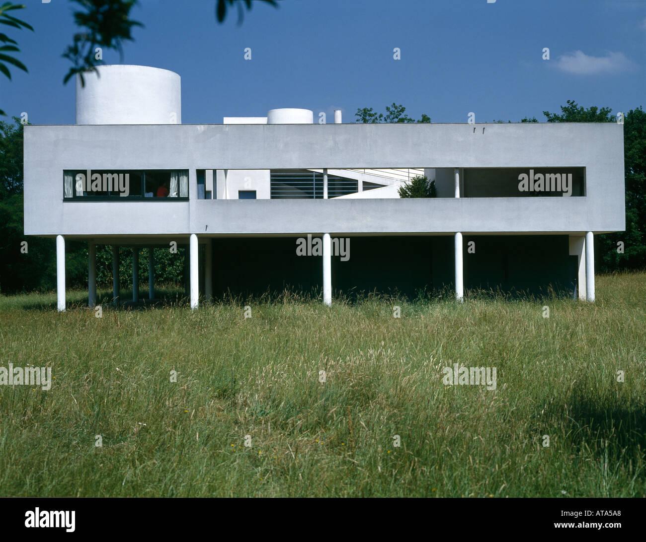 Villa savoye poissy france 1929 exterior architect le corbusier stock p - Villa savoye poissy francia ...