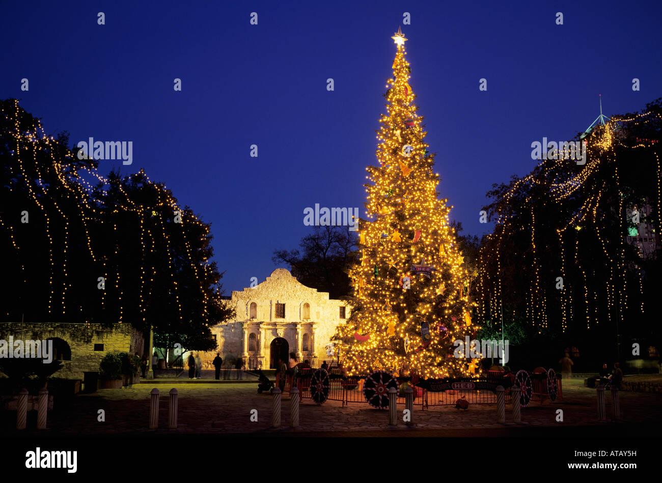 The Alamo with Christmas lights San Antonio Missions National ...