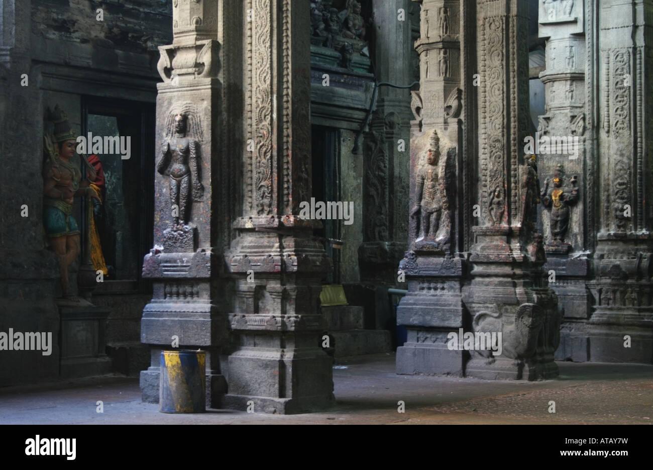 Pillars inside Sri Meenakshi Temple , Madurai , Tamil Nadu ...