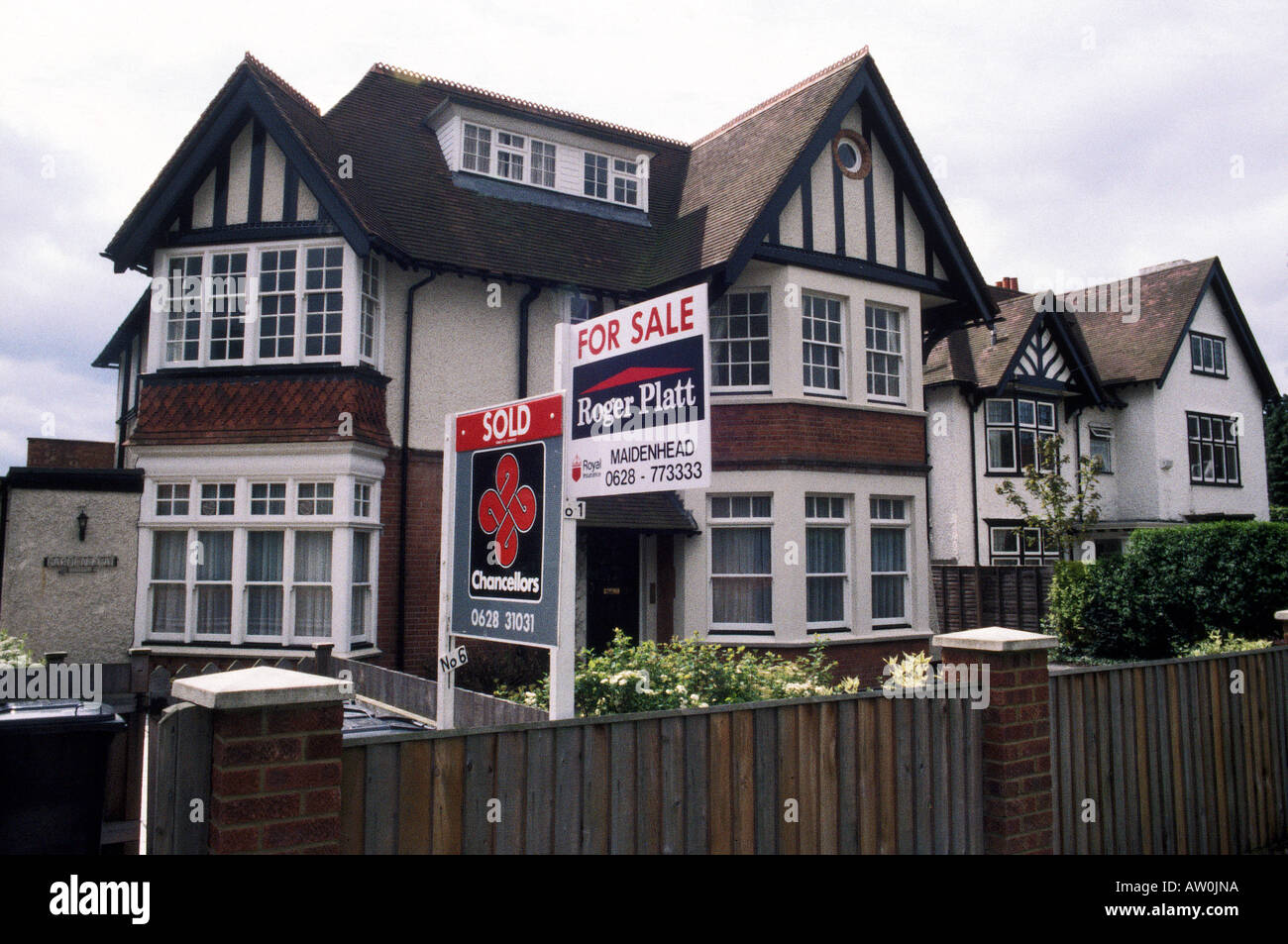 Buying A 1930s House House Typical Mock Tudor 1930s House