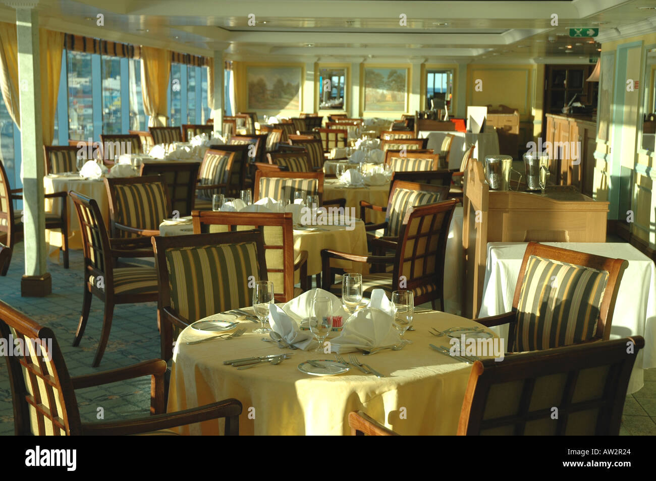 cruise ship oceania regatta toscana italian dining room tables
