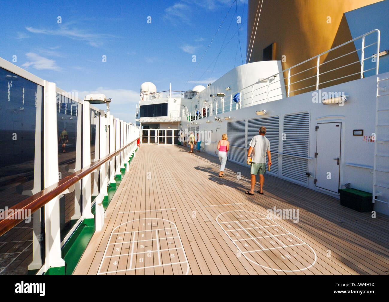 Passengers Playing Deck Games Onboard PO Cruise Ship Arcadia - Cruise ship building games