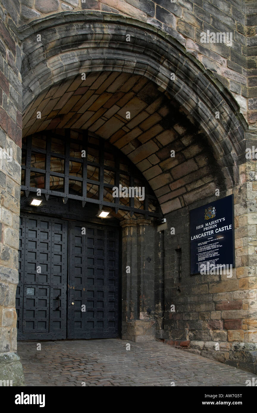 the gatehouse with portcullis and gate at lancaster castle which is now her majestys lancaster castle prison & the gatehouse with portcullis and gate at lancaster castle which ...