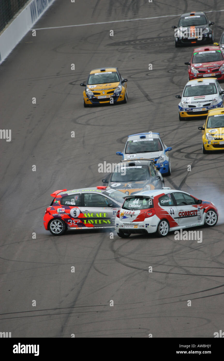 Renault Clio Uk Cup Race Cars Crashing At Rockingham Stock Photo