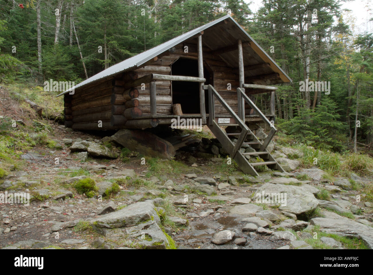 The log cabin in the white mountain national forest new for Ski cabins in new hampshire