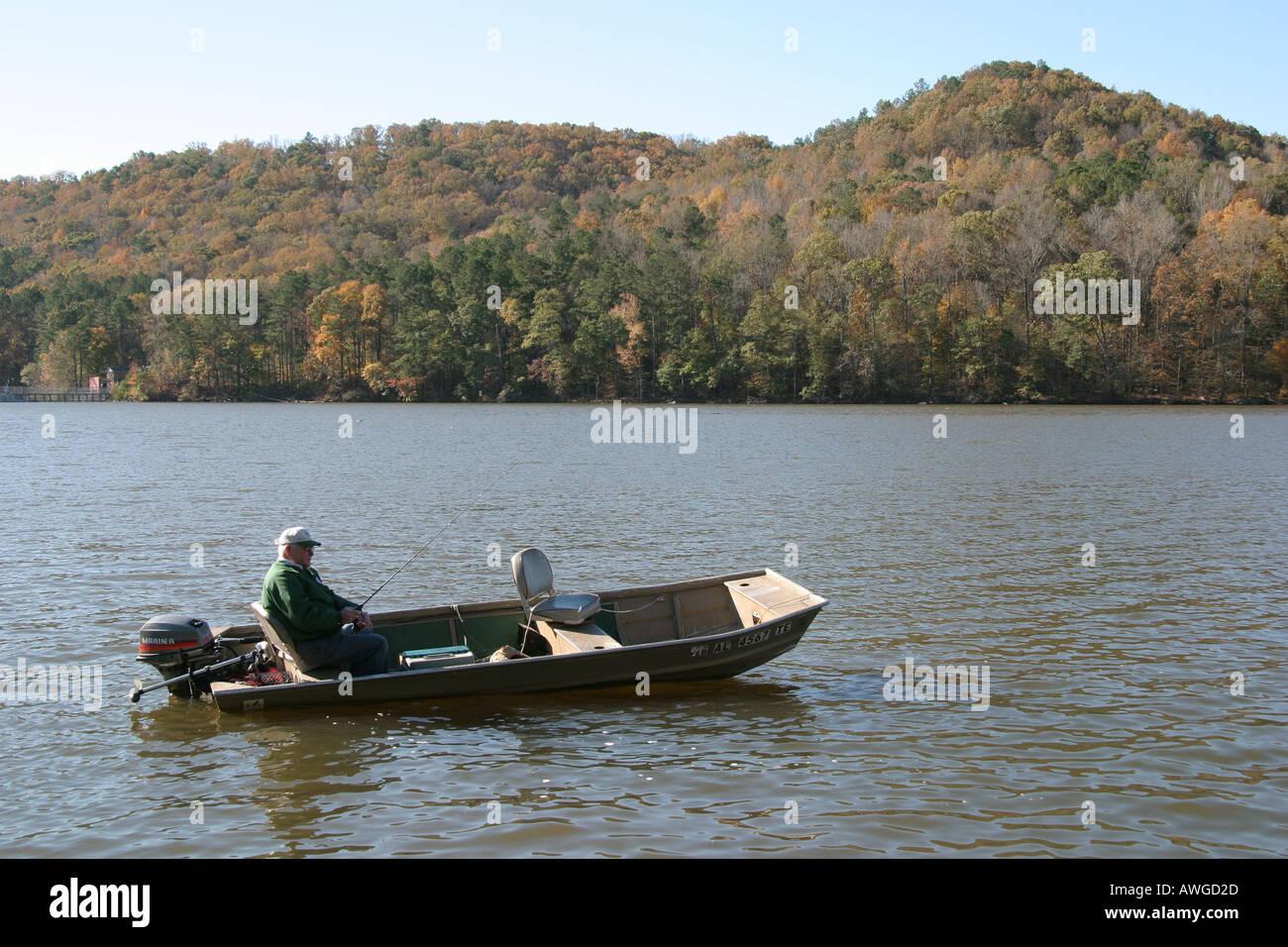 Alabama marshall county lake guntersville state park boat for Fishing lake guntersville