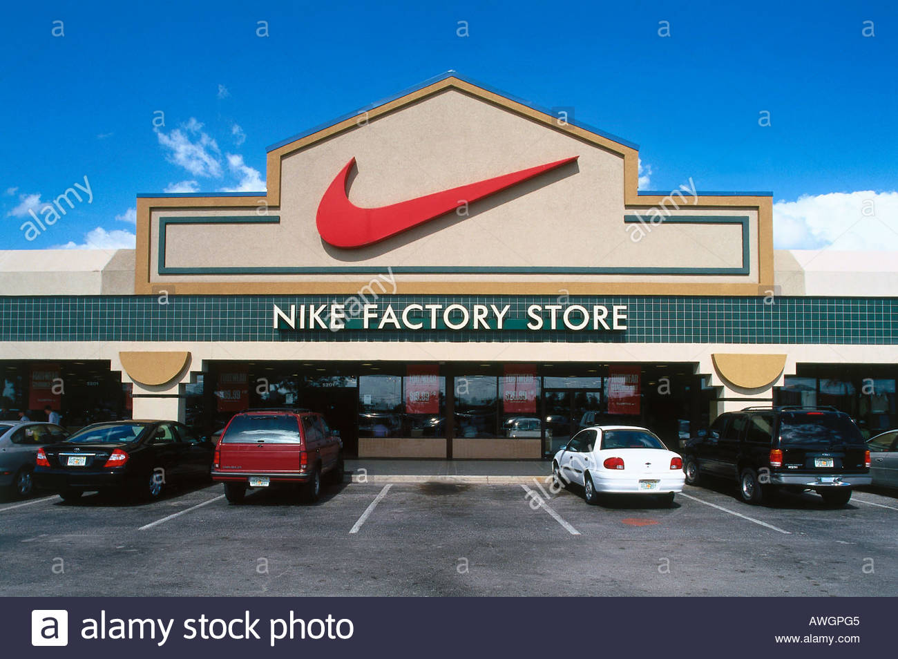Nike Factory Store - Orlando International - Specialist - Orlando, FL Apply. Become a Part of the NIKE, Inc. Team. NIKE, Inc. does more than outfit the world's best athletes. It is a place to explore potential, obliterate boundaries and push out the edges of what can be. The company looks for people who can grow, think, dream and create.