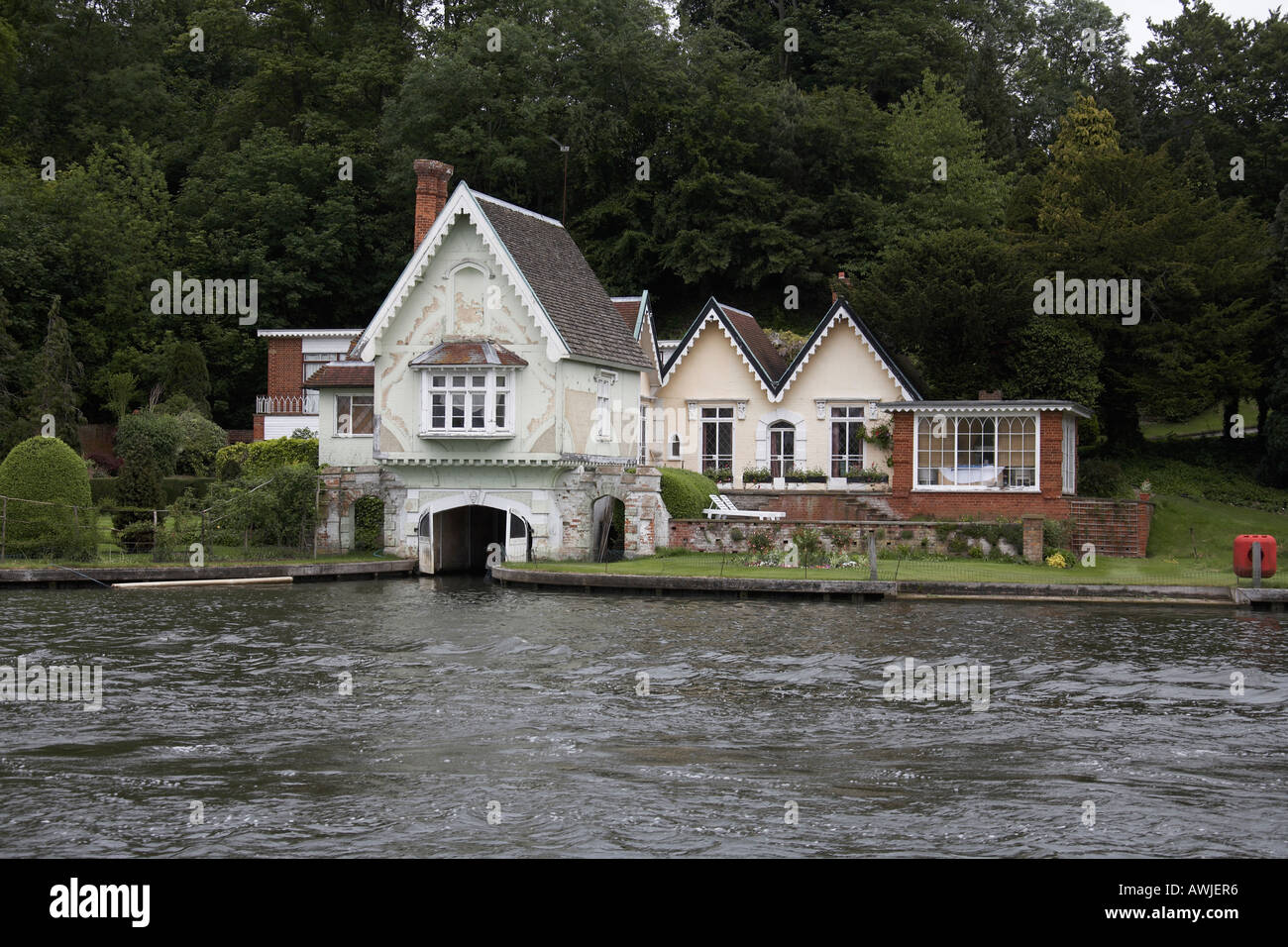 Beautiful Traditional Riverside Residential House Or Home