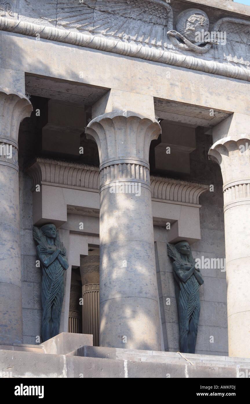 mausoleo schilizzi in via posillipo a napoli campania