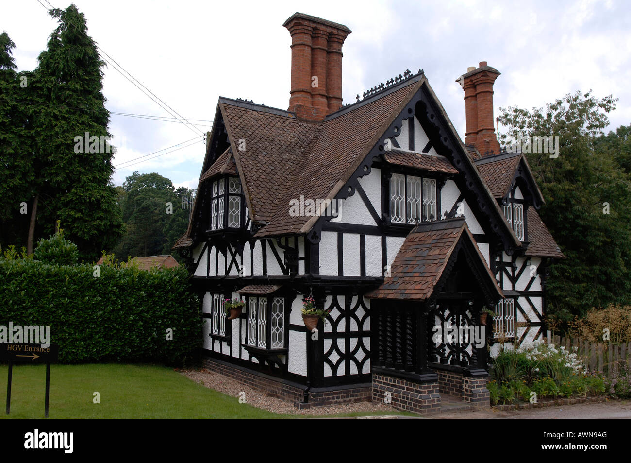 Image gallery old english house for Classic english house