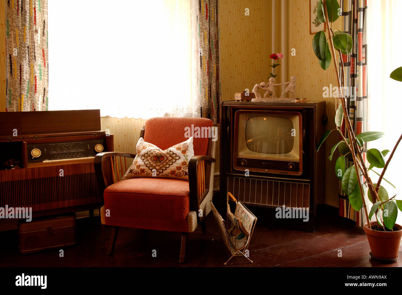 Living Room 1950s 1950s living room set with television, radio and armchair, lauf an