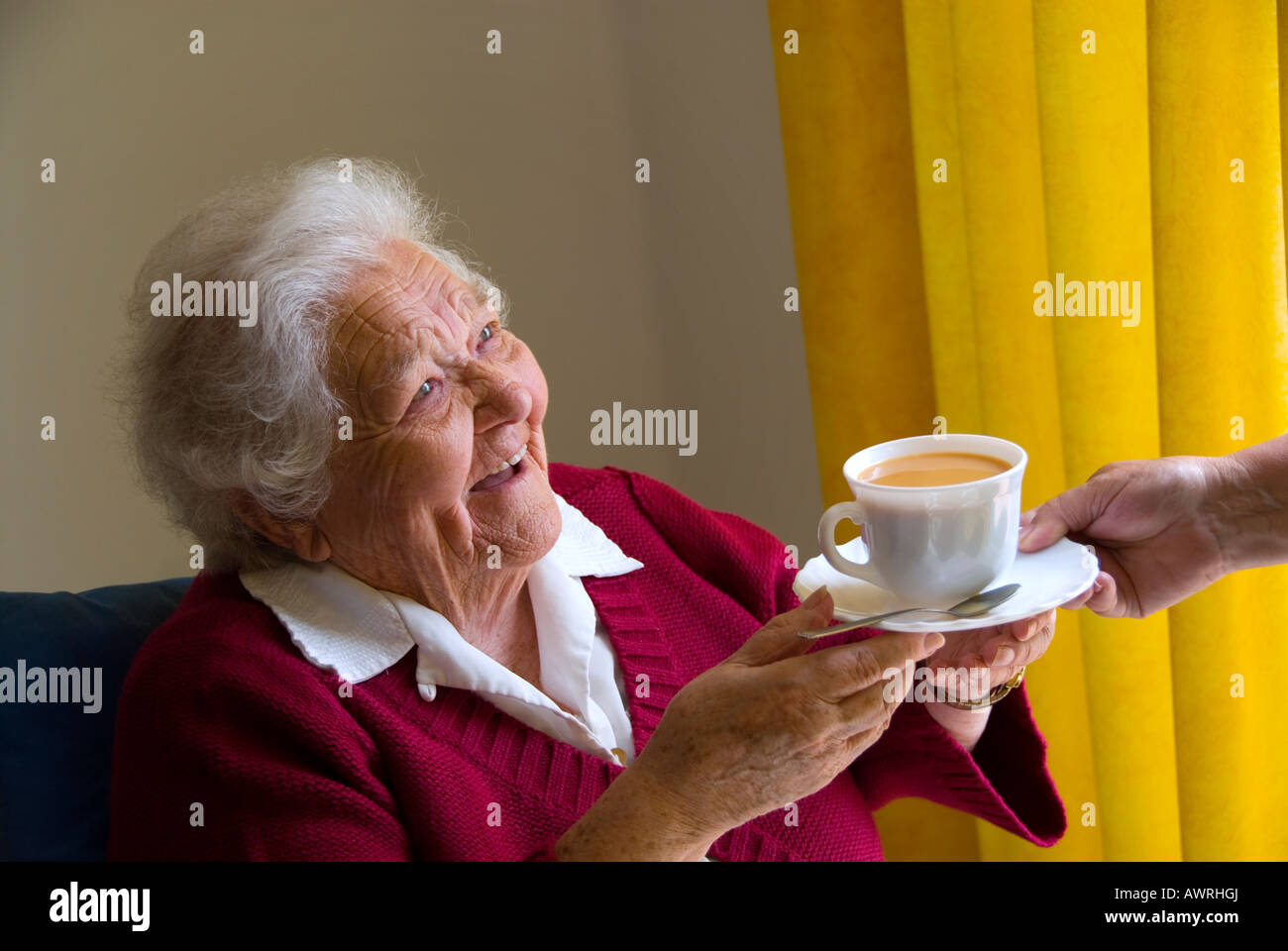 Colour therapy for sciatica - Colour Therapy For Elderly Elderly P In Physical Therapy Happy Elderly Lady Receives A Cup