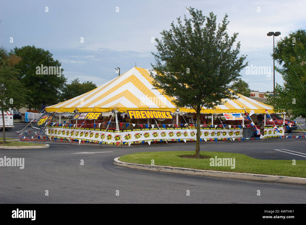 Vendors in temporary tents sell fireworks for special holidays and occaisions in Ocala Florida USA & Vendors in temporary tents sell fireworks for special holidays and ...