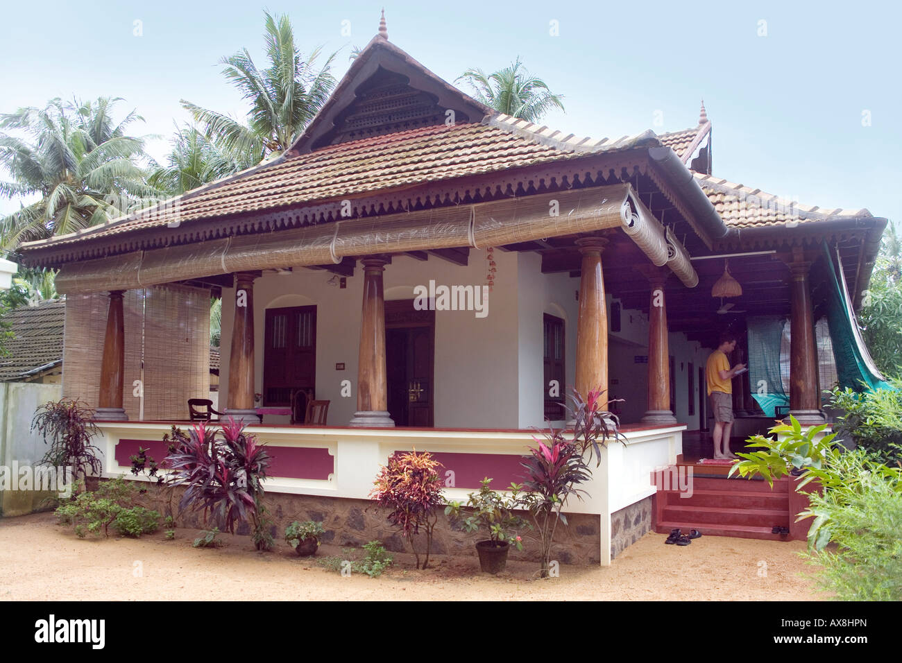 Keralite Bungalow Styled After Traditional Kerala House