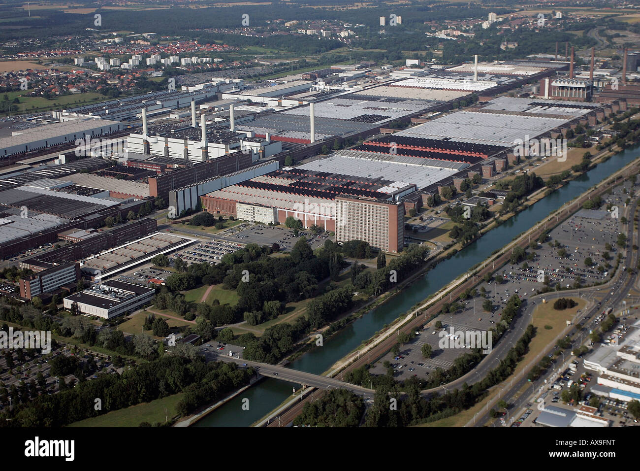 an aerial view of the volkswagen car factory wolfsburg. Black Bedroom Furniture Sets. Home Design Ideas