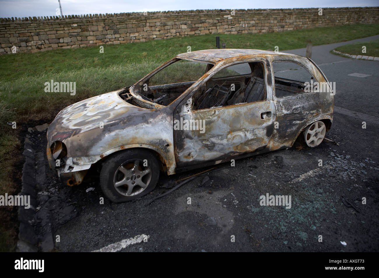 Stolen Car Burned Out And Dumped By Joy Riders On Whitby Cliff Top - Stolen car