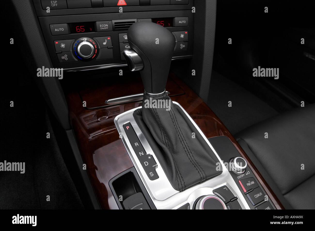 2008 Audi A6 Avant 3.2 FSI quattro in Black - Gear shifter/center ...