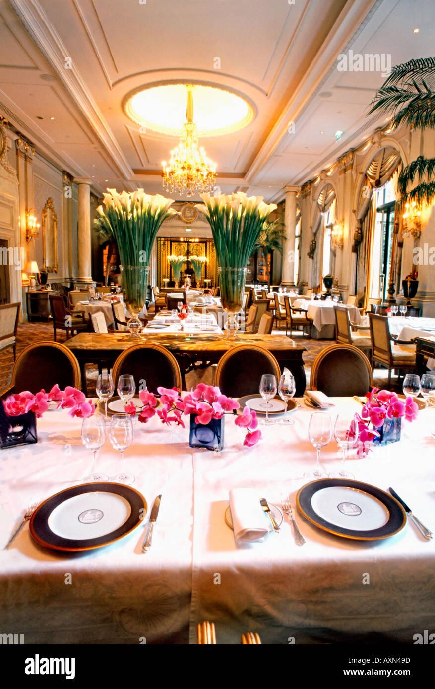 France paris french restaurant le v le cinq haute cuisine hotel stock photo royalty free - Restaurant cuisine francaise paris ...