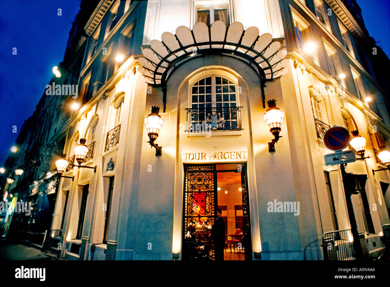 France paris french restaurant la tour d 39 argent haute for Restaurant cuisine francaise paris