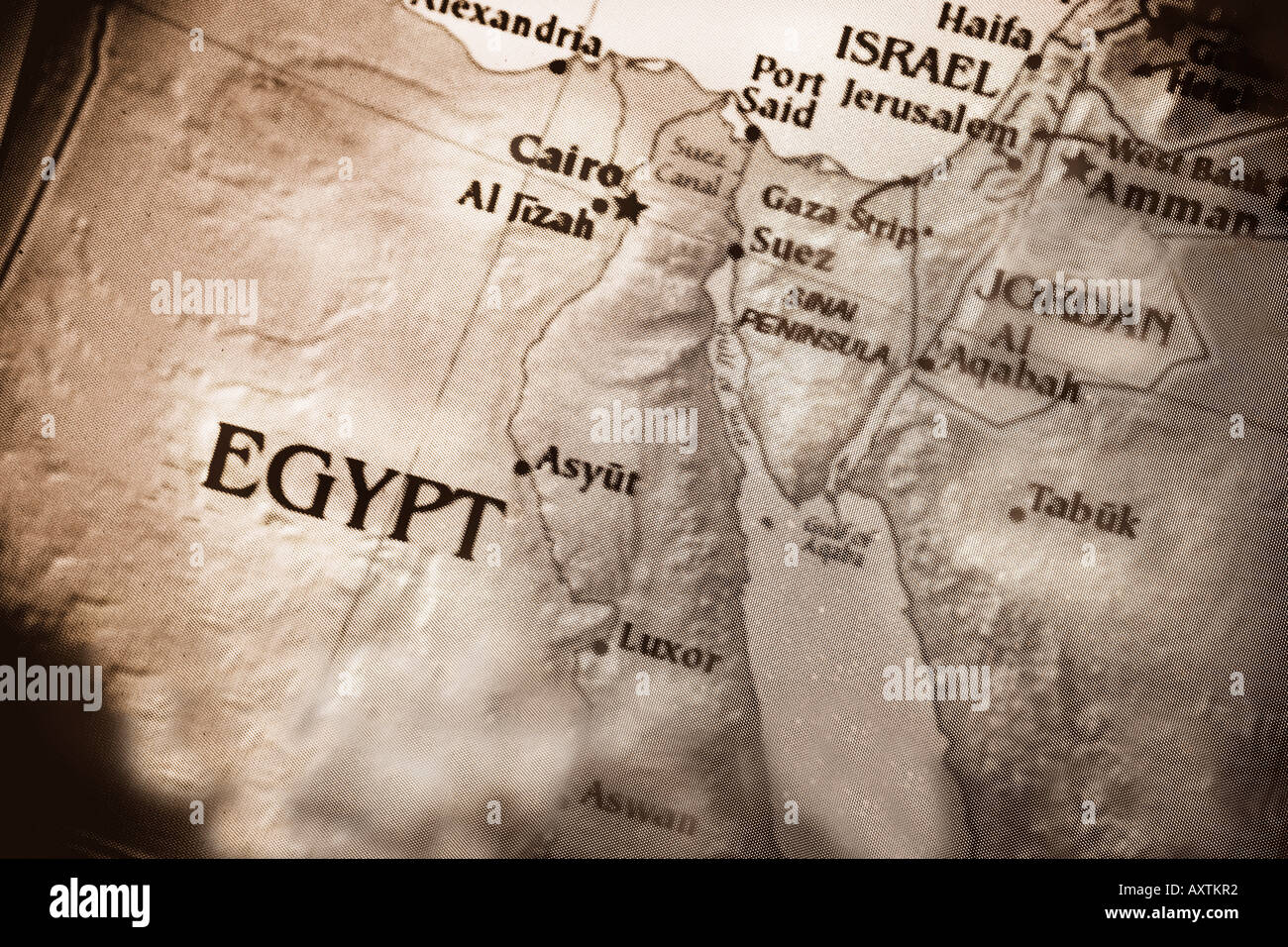 Closeup map showing the countries Egypt Israel and Jordan in