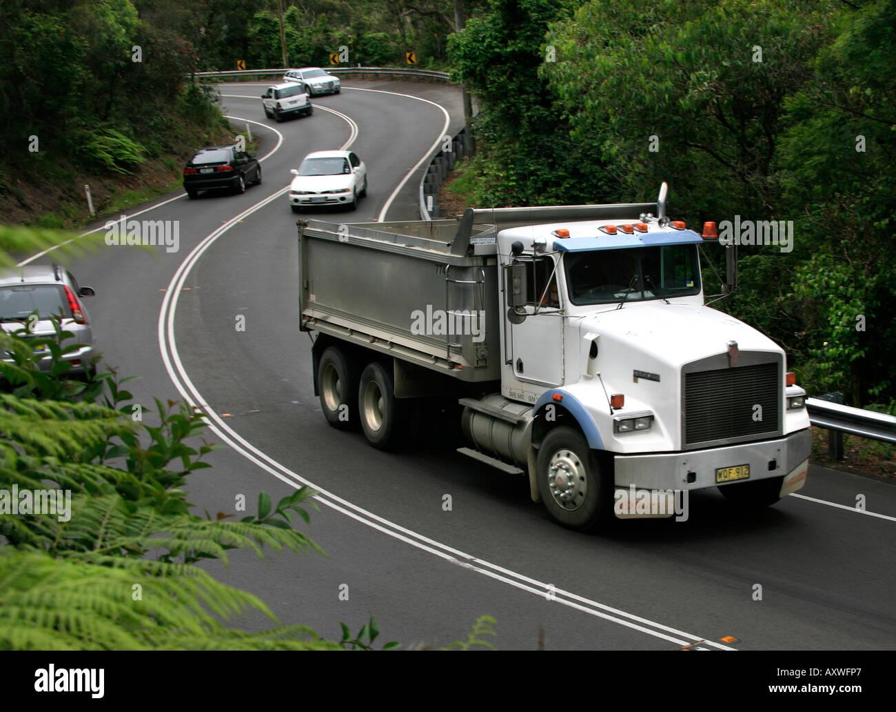 Kenworth Truck In Heavy Traffic On Winding S Bend Road Near Avalon - Avalon truck